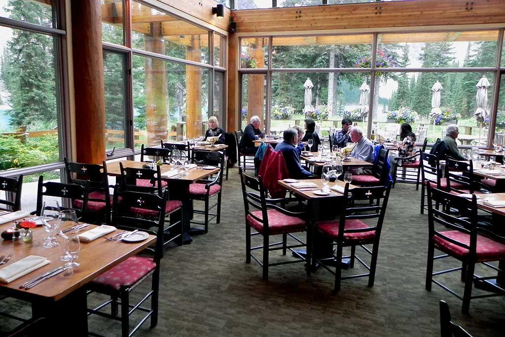 Moraine Lake Lodge Restaurant Near Lake Louise 4